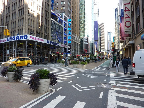 Big-box retailers go urban