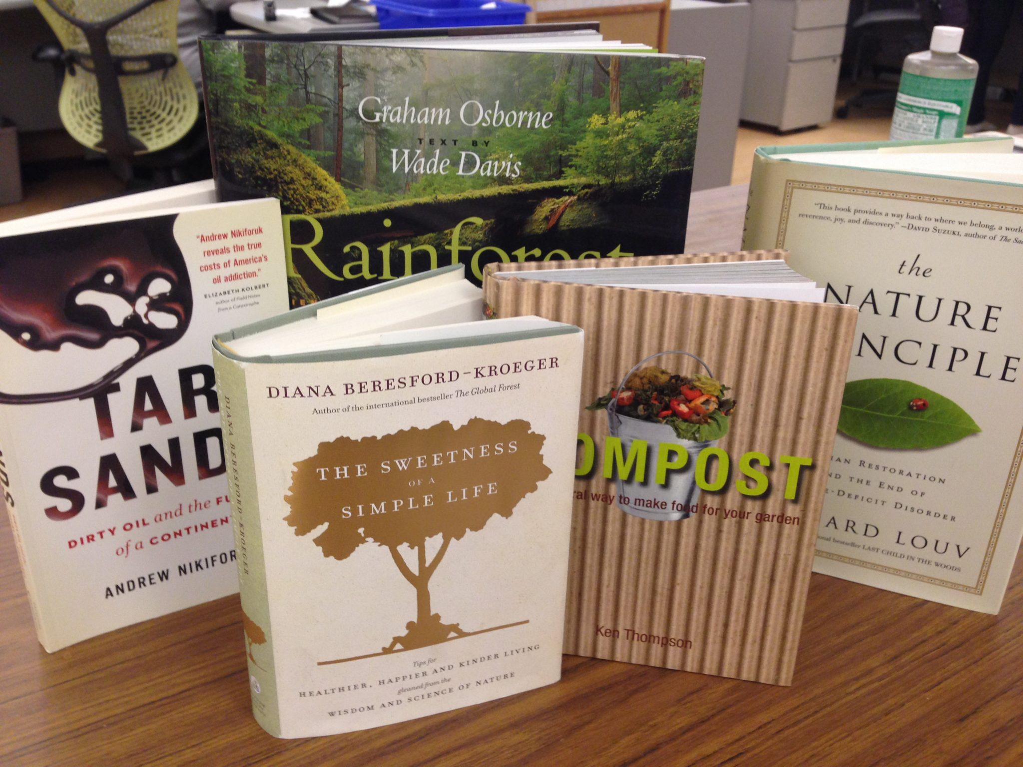 Top eco-reads for the holidays